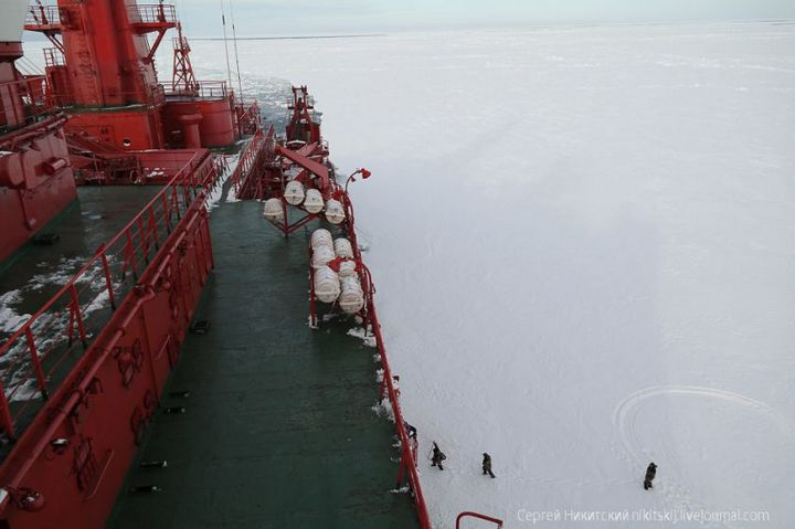 Как спасали людей и оборудование в Арктике (3)