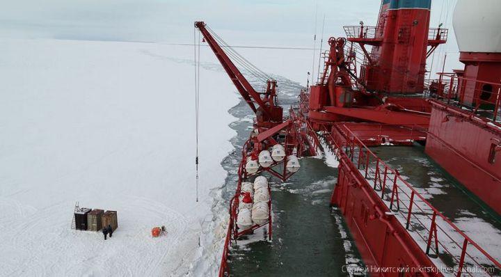 Как спасали людей и оборудование в Арктике (6)