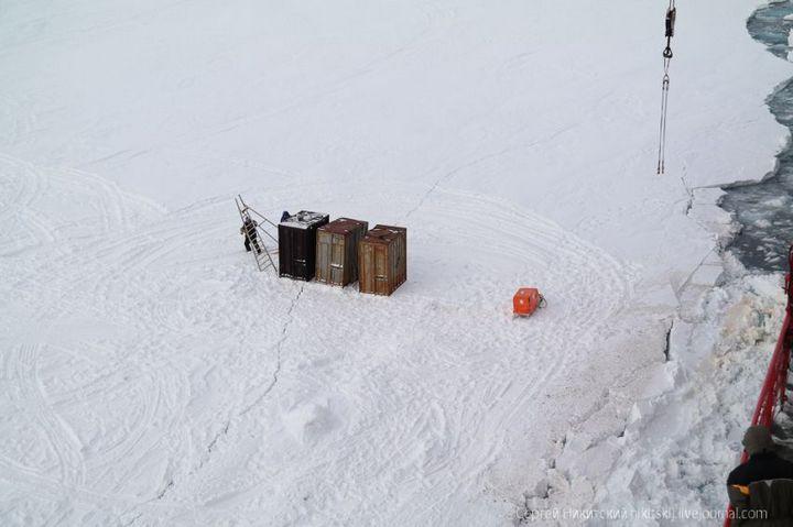 Как спасали людей и оборудование в Арктике (7)