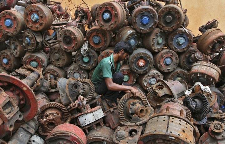 Работа на мусорных свалках в Индии (7)