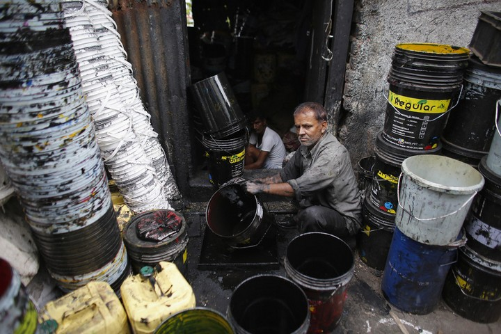 Работа на мусорных свалках в Индии (8)