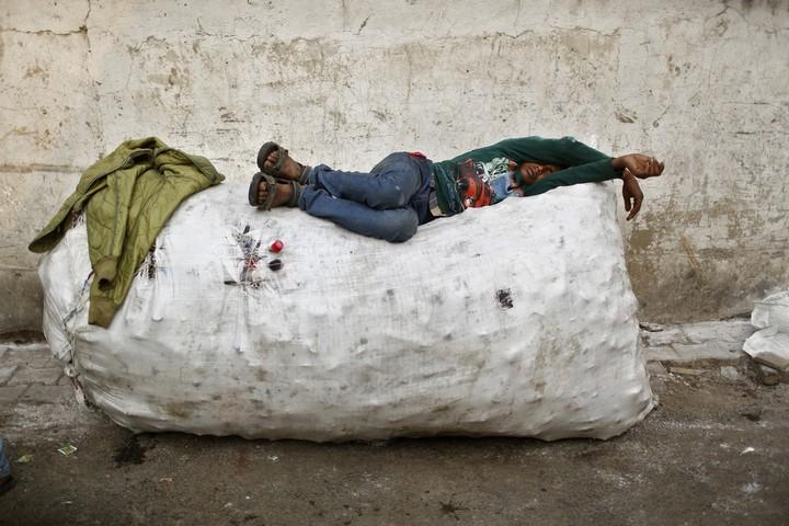 Работа на мусорных свалках в Индии (9)