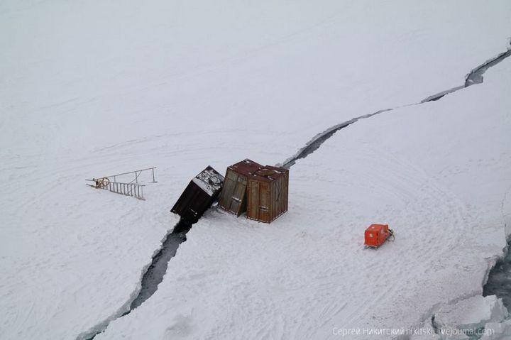 Как спасали людей и оборудование в Арктике (11)