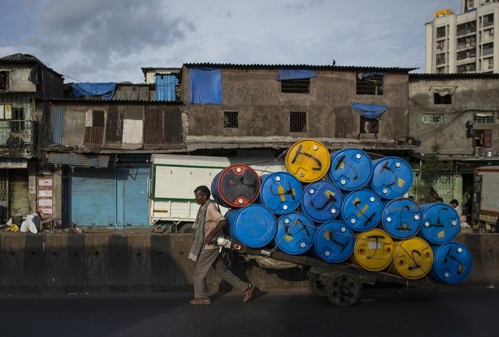 Работа на мусорных свалках в Индии (11)
