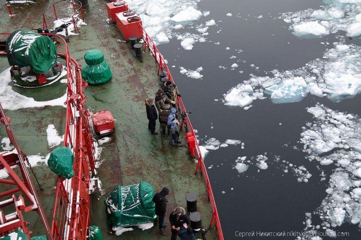 Как спасали людей и оборудование в Арктике (16)