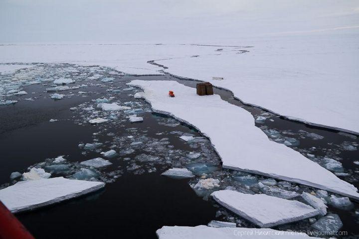 Как спасали людей и оборудование в Арктике (17)