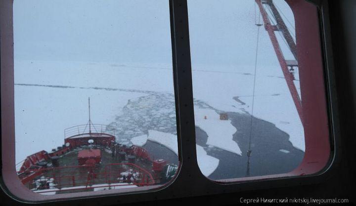 Как спасали людей и оборудование в Арктике (18)