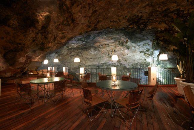 Grotta Palazzese — ресторан в скале с потрясающим видом (7)