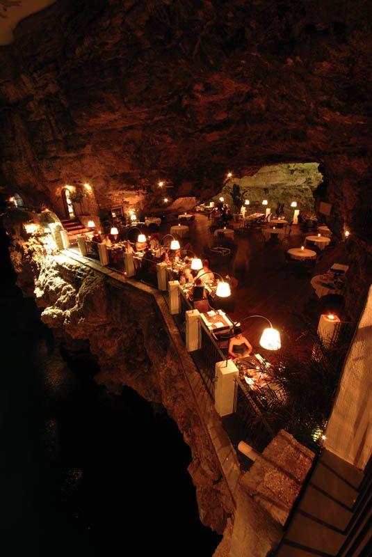 Grotta Palazzese — ресторан в скале с потрясающим видом (6)