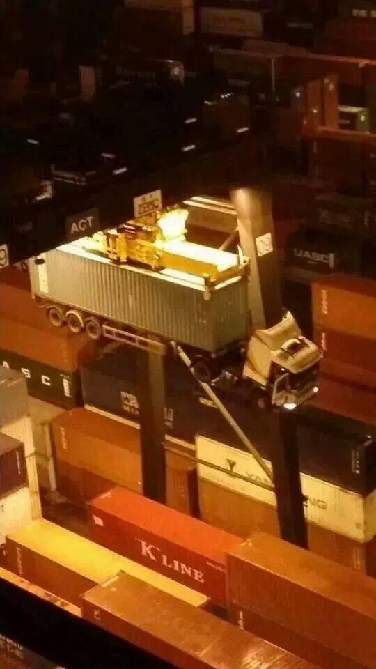 Курьезный случай с контейнеровозом (1)