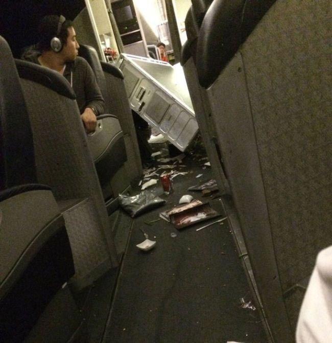 Вот что происходит в самолете, когда он попадает в сильную турбулентность (8)