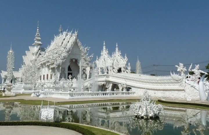 Ват Ронг Кхун - белый храм в Таиланде (2)