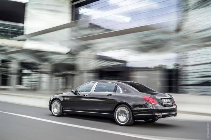 Mercedes-Maybach 2015. Сколько стоит самый тихий автомобиль в мире? (3)