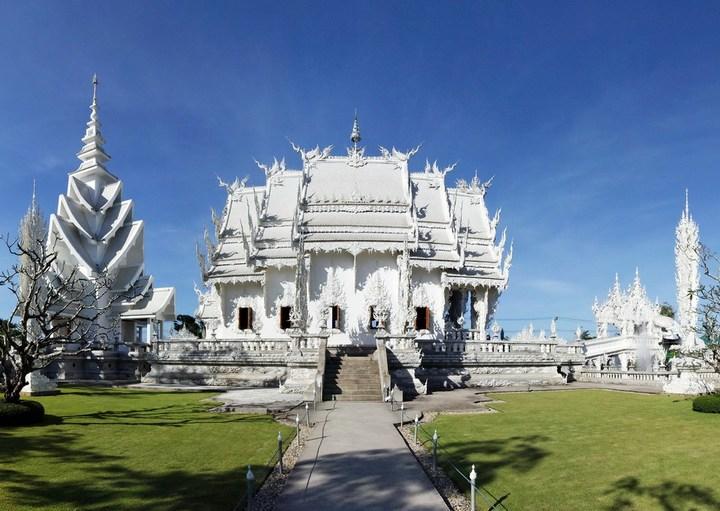 Ват Ронг Кхун - белый храм в Таиланде (3)