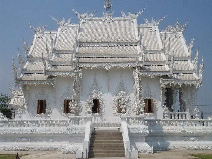 Ват Ронг Кхун - белый храм в Таиланде (4)