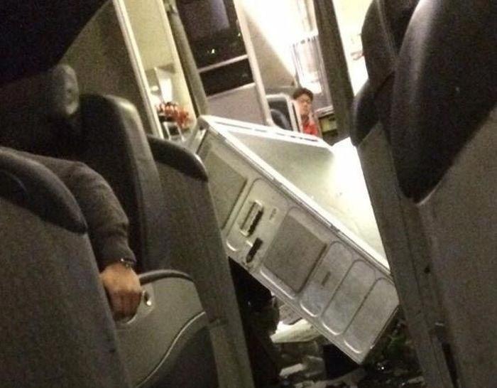 Вот что происходит в самолете, когда он попадает в сильную турбулентность (3)