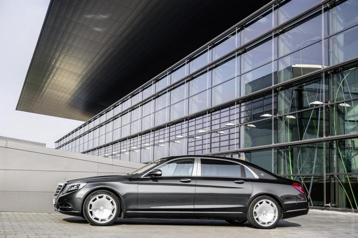 Mercedes-Maybach 2015. Сколько стоит самый тихий автомобиль в мире? (6)