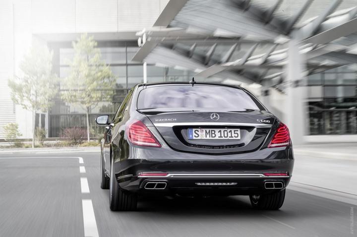 Mercedes-Maybach 2015. Сколько стоит самый тихий автомобиль в мире? (7)