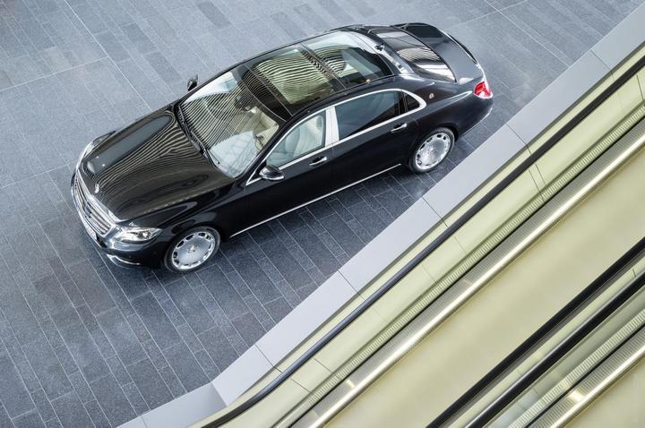 Mercedes-Maybach 2015. Сколько стоит самый тихий автомобиль в мире? (8)