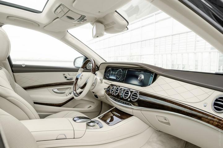 Mercedes-Maybach 2015. Сколько стоит самый тихий автомобиль в мире? (17)