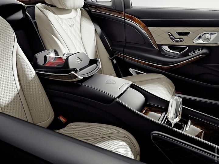 Mercedes-Maybach 2015. Сколько стоит самый тихий автомобиль в мире? (31)