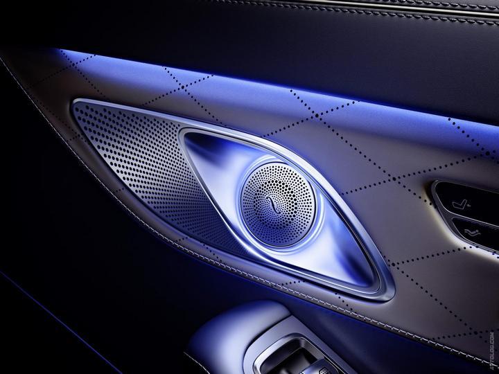 Mercedes-Maybach 2015. Сколько стоит самый тихий автомобиль в мире? (35)
