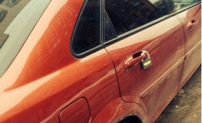 Как убрать замок с ручки двери автомобиля (2)