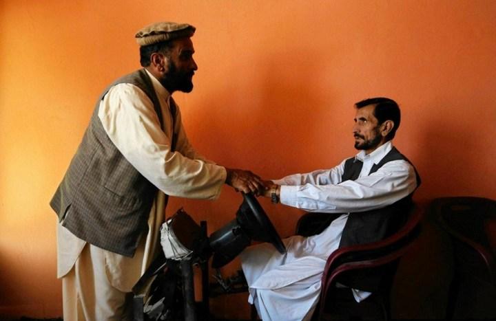 Как получают водительские права в Кабуле (1)