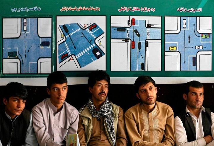 Как получают водительские права в Кабуле (2)