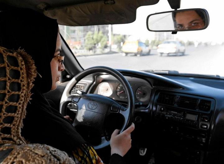 Как получают водительские права в Кабуле (12)