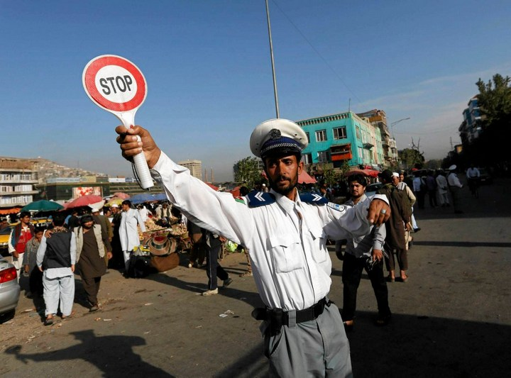 Как получают водительские права в Кабуле (21)