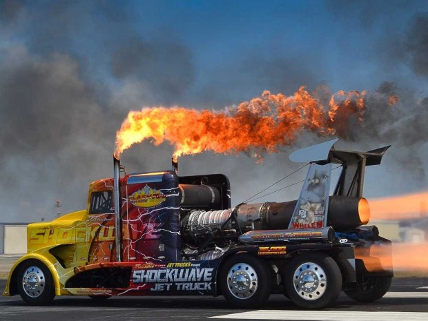 Самый быстрый грузовик в мире на реактивных двигателях (1)