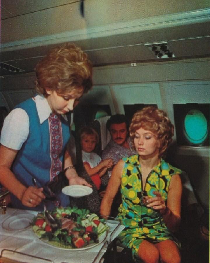 История первого класса в самолетах (49)