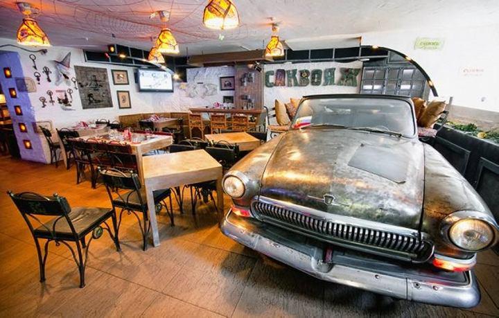 Необычный ресторан «Саквояж беременной шпионки» в Санкт-Петербурге (1)