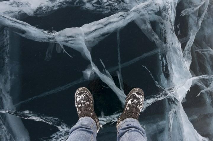 Замерзшее озеро Байкал (1)