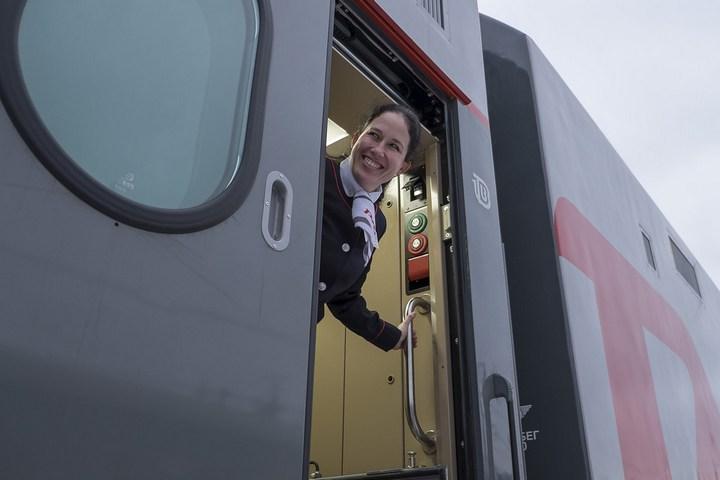 Новый двухэтажный поезд РЖД (2)