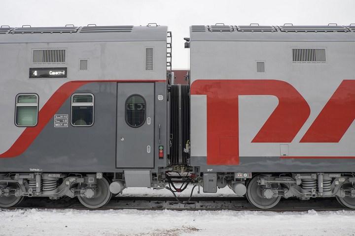 Новый двухэтажный поезд РЖД (4)