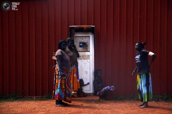 Как живут австралийские аборигены Йолнгу (4)