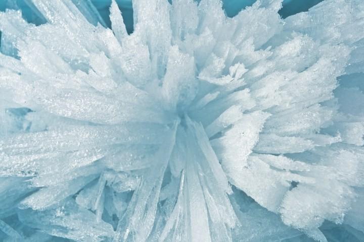Замерзшее озеро Байкал (5)
