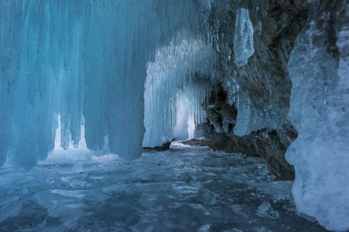 Замерзшее озеро Байкал (9)