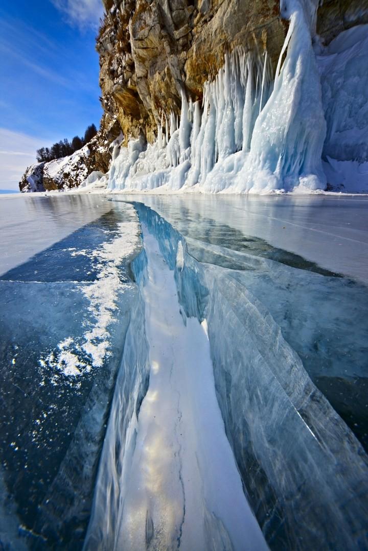 Замерзшее озеро Байкал (11)