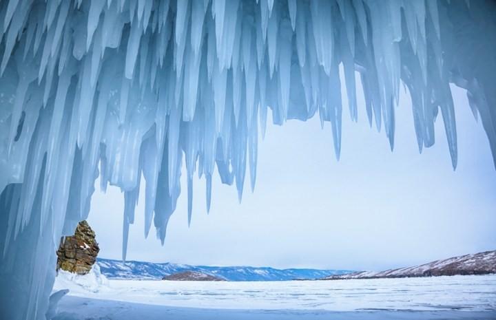 Замерзшее озеро Байкал (12)