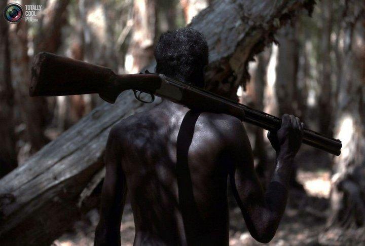 Как живут австралийские аборигены Йолнгу (13)