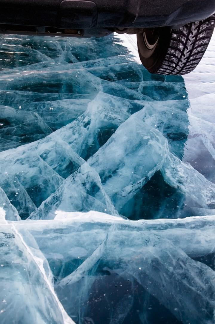 Замерзшее озеро Байкал (13)