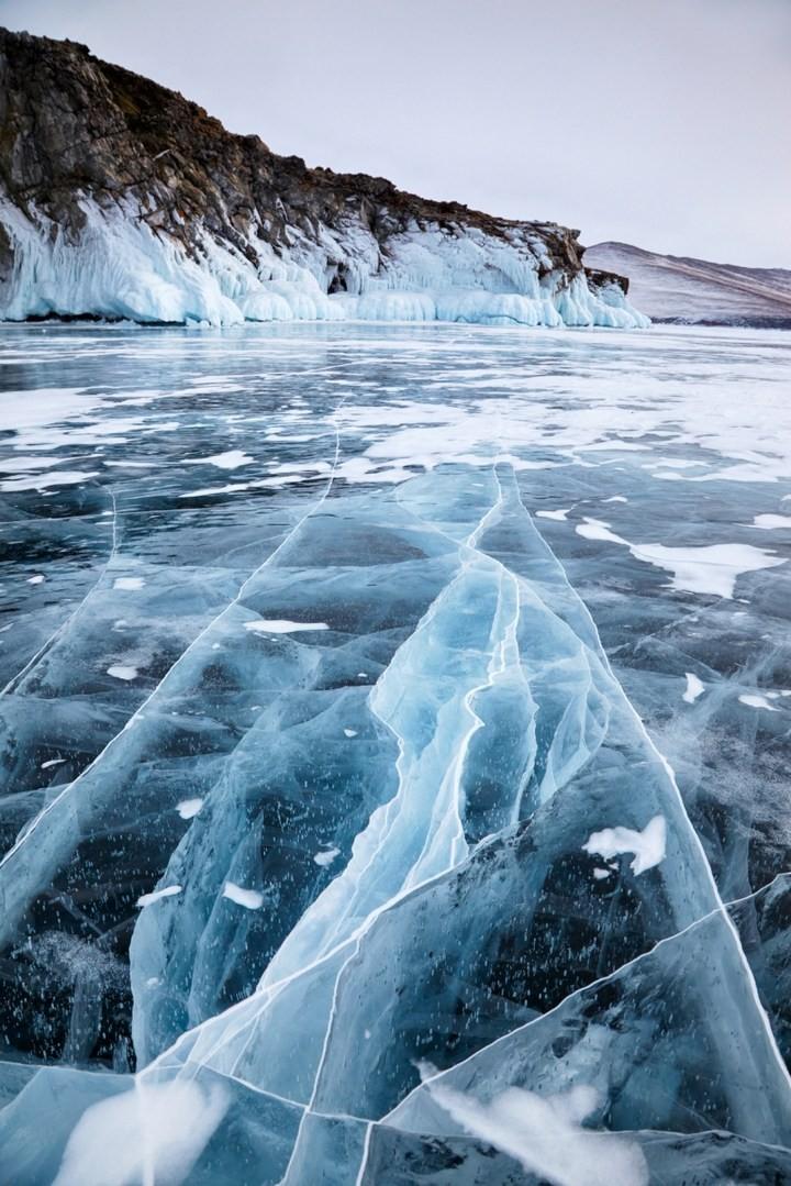 Замерзшее озеро Байкал (14)