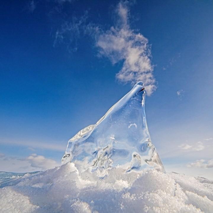 Замерзшее озеро Байкал (15)
