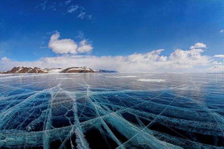 Замерзшее озеро Байкал (17)