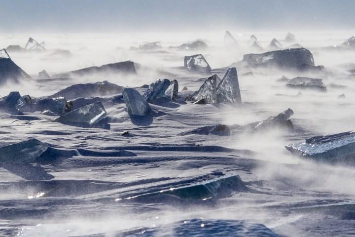 Замерзшее озеро Байкал (19)