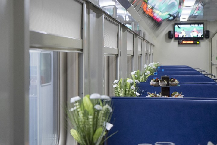Новый двухэтажный поезд РЖД (26)