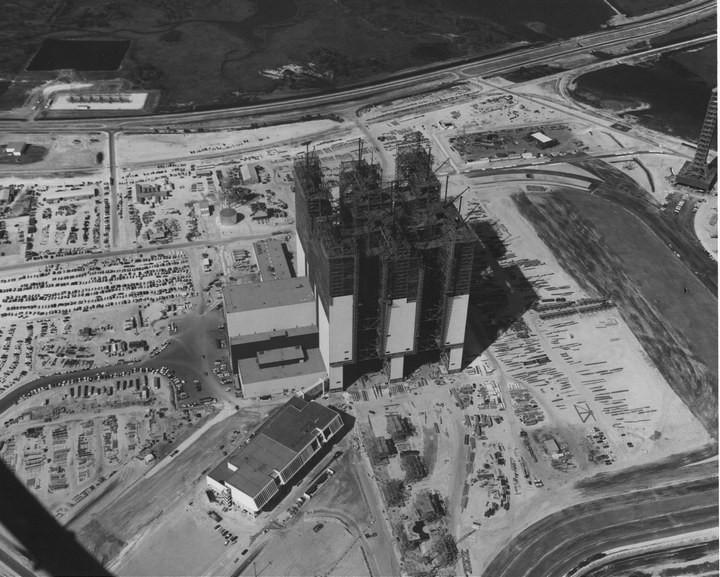 Самое большое одноэтажное здание в мире NASA Vehicle Assembly Building (6)